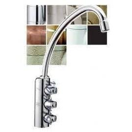 Rubinetto a colonnina 3 vie con vitoni per 3 diverse qualità di acqua ideali per refrigeratori acqua.
